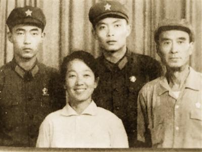 """""""江姐""""和""""王政委""""一家四位电影人"""