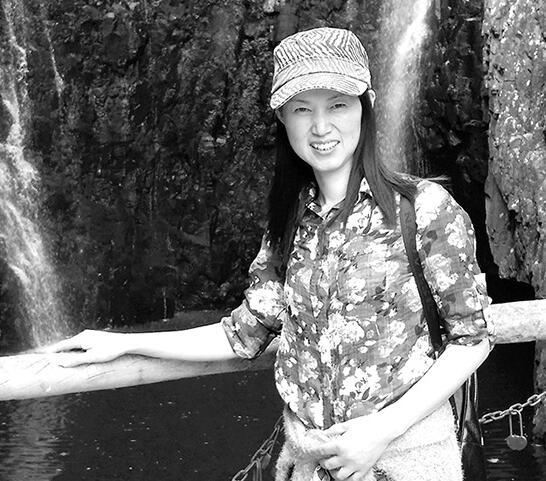 我市女画家楼雪珍加入中国美术家协会