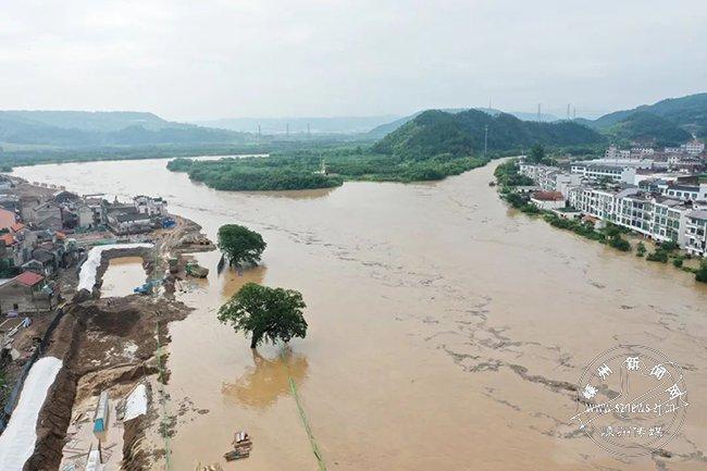 比分直播_足球比分直播普降暴雨致防洪应急工程被淹 多部门紧急抢险