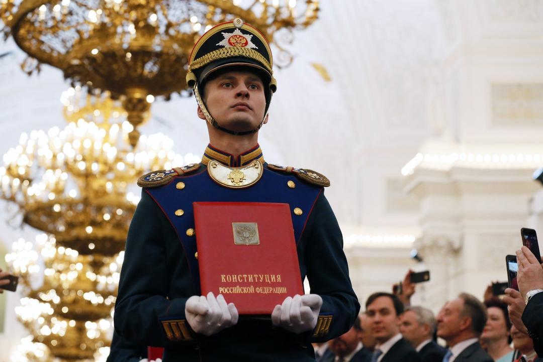 修宪压倒性通过,向天再借16年的普京,能还你一个强大的俄罗斯吗