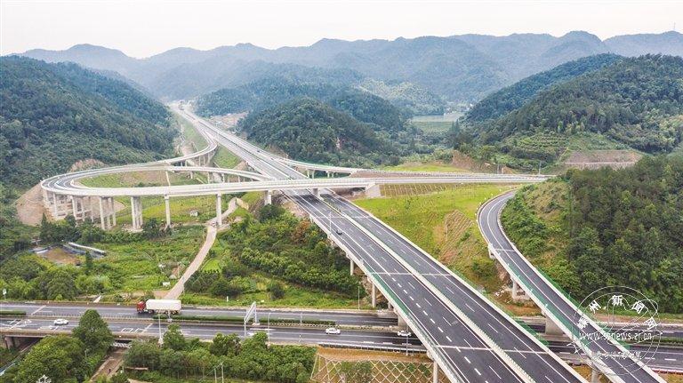 杭绍台高速鉴湖枢纽至镜岭(十九峰)段正式通车