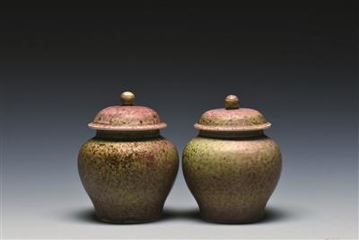 红釉瓷盖罐