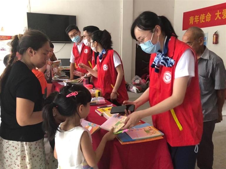 温州机场集团组织员工求收藏走进结对帮扶的八都镇野 呼窖村