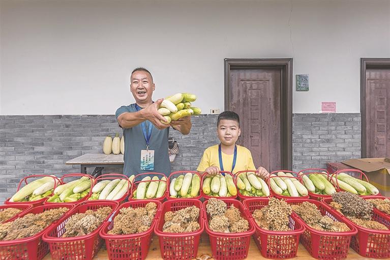 龙南乡种植出来的蔬菜深受外地客商和游客的喜爱