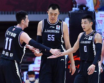 三军用命,CBA半决赛辽宁28分大胜新疆