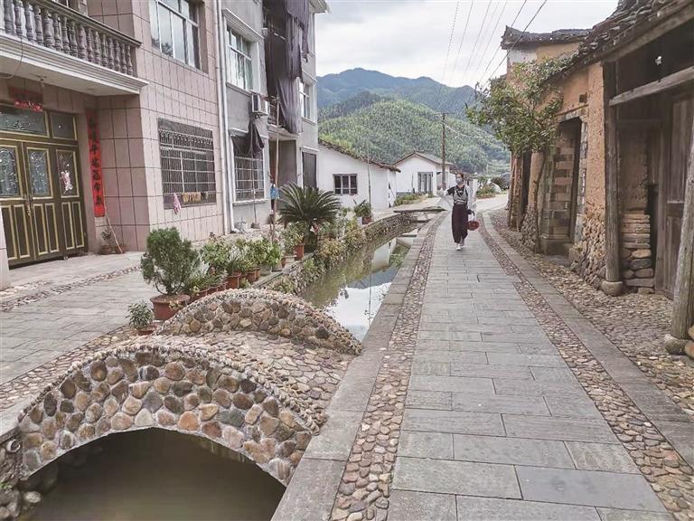 八都镇双溪口村实现村庄整体面貌的提升