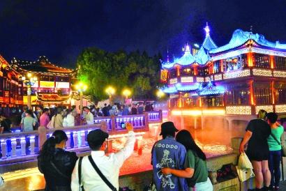 """16个""""夜游上海好去处""""等你来打卡"""