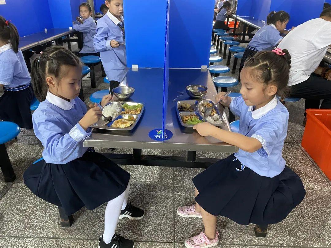 """對浪費說不!光盤行動掀起龍泉校園""""新食尚"""""""