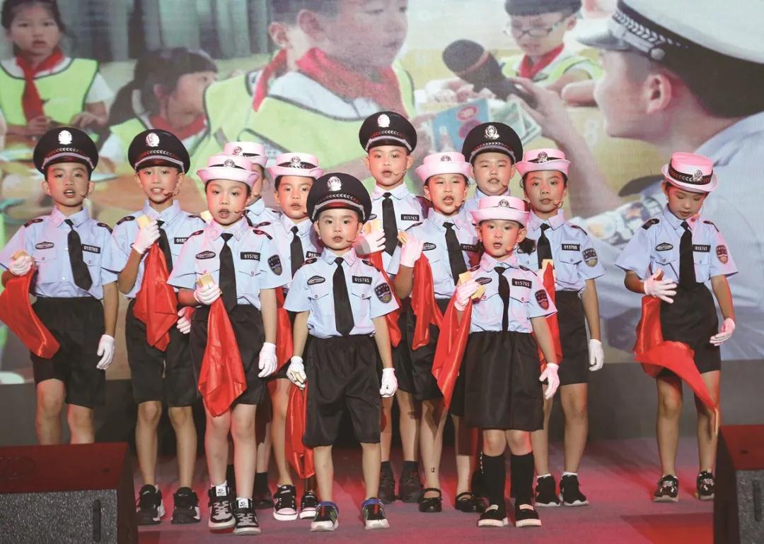 文明出行全省巡回宣传月大型公益活动走进温州