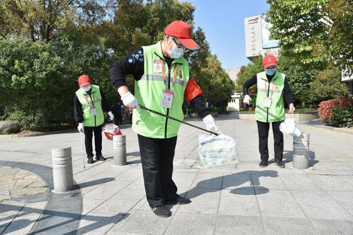 """270000人加入志愿者 鄞州""""365""""志愿服务""""爱心""""传递更""""暖心"""""""