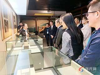 人才科技峰会与会专家学者参观廊桥博物馆