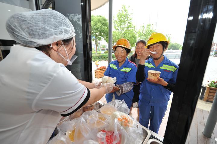 一碗粥溫暖一座城 寧波杭州灣新區創新志愿服務模式
