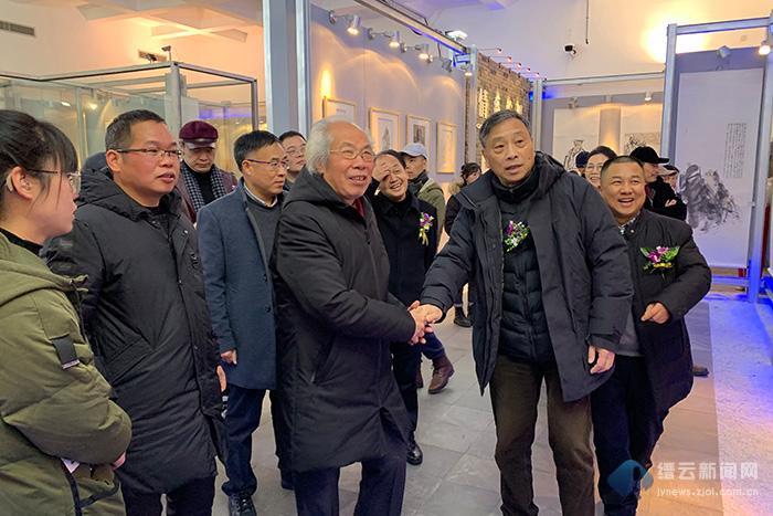 """""""2020浙江省中��人物��作品展""""在我�h�e行"""