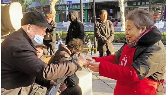 """寒潮""""冻""""真格 温州""""亭""""暖心 全市志愿者暖冬服务在行动"""