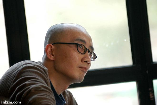 """韩东:我的确是一个""""青年作家"""""""