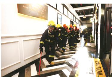 我县举行跨区域灭火救援演练