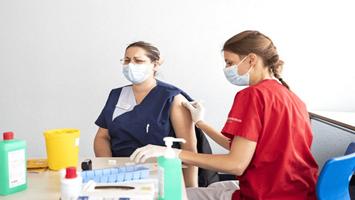 瑞士已发现近1000例变异新冠病毒感染病例