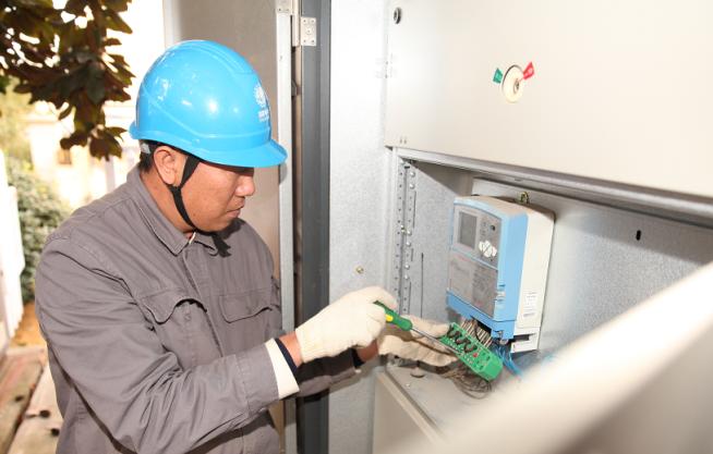 国网嵊州研发新型终端插座保障设备运行安全