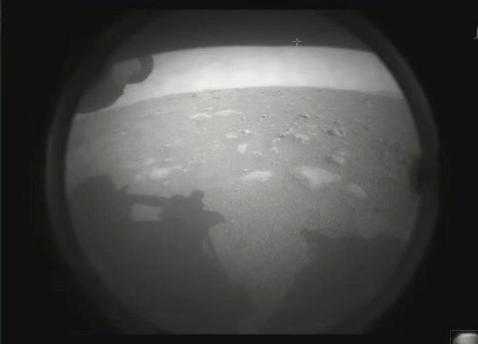 """美国""""毅力号""""火星车成功登陆火星"""