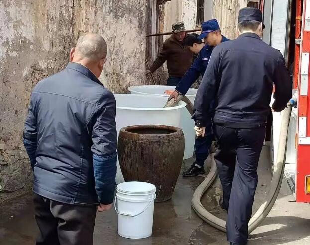 【文明实践在一起】暖心!他们为石璜这个村送水,解燃眉之急
