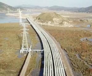 G526双合大桥实现全幅贯通
