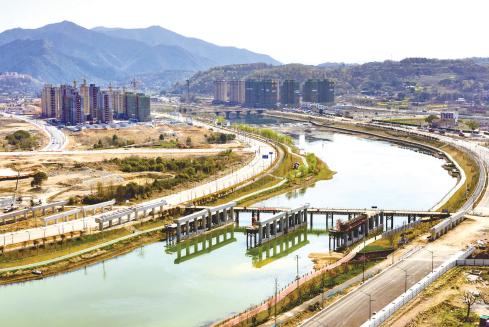 黄泽江大桥建设全力推进