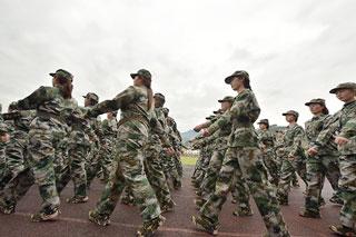 县中心幼儿园联盟开展集体军训活动