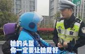 背上绑着女儿送上学 宁波外卖小哥被交警拦下 这一幕暖心…