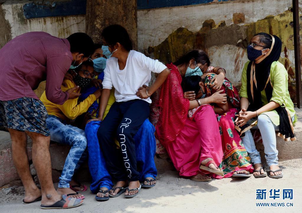 印度官员表示该国第三波新冠疫情不可避免