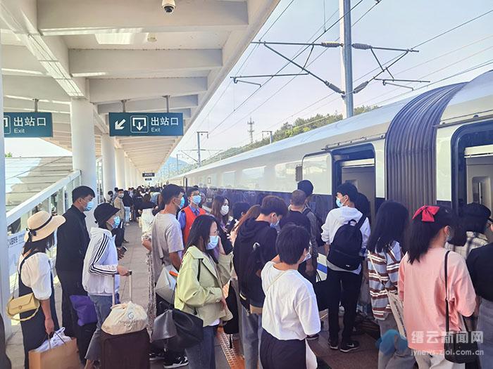 五一小长假缙云西站单趟到达旅客创新高