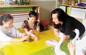 """杭师大""""艺术无障碍""""项目帮助盲童学画画 触听皆有色彩"""