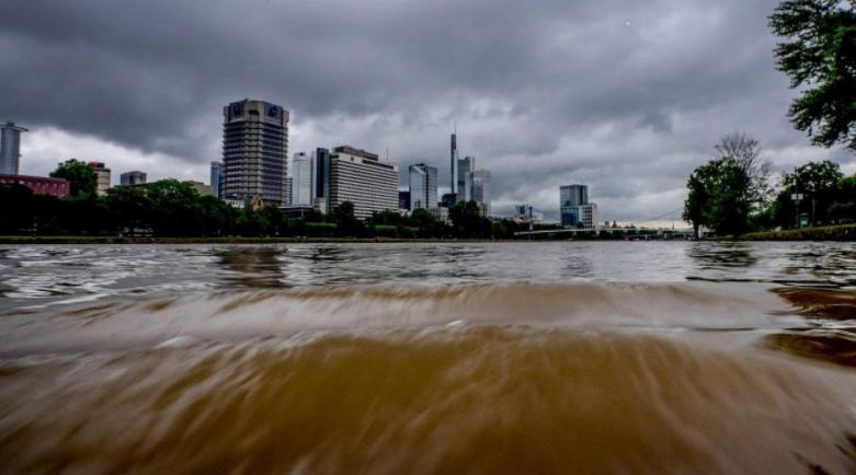 欧洲洪灾尚未消退 至少187人遇难