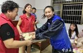 浙江宁波超20万名志愿者参与防台防汛