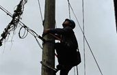 偏远小岛保供电 风雨中他为300多户居民守护光明