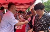 浙江日报评论员:让党员受教育,让群众得实惠
