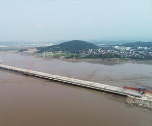 """526国道皇冠体育在线段改建项目大桥工程进入""""收官""""阶段"""