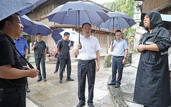 市领导带队分赴各地检查指导防台工作