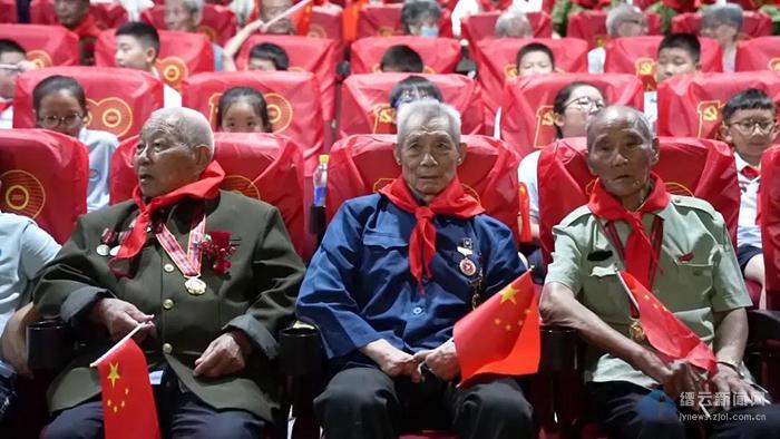 缙云:跨越70年的凝望 老兵观影《长津湖》