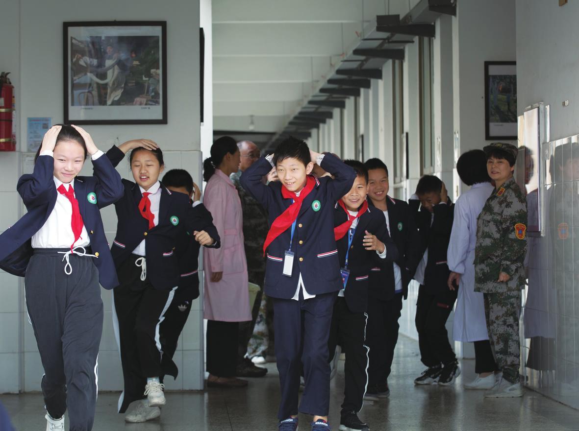 举行消防安全疏散演练活动