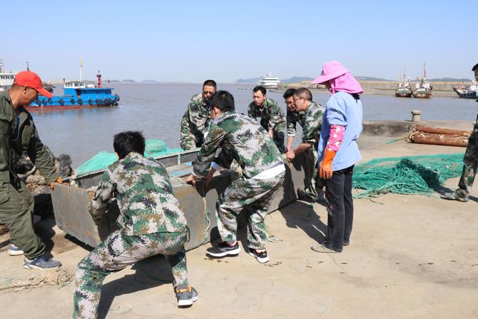 """黄龙乡武装部积极参与""""三无渔船""""整治工作"""