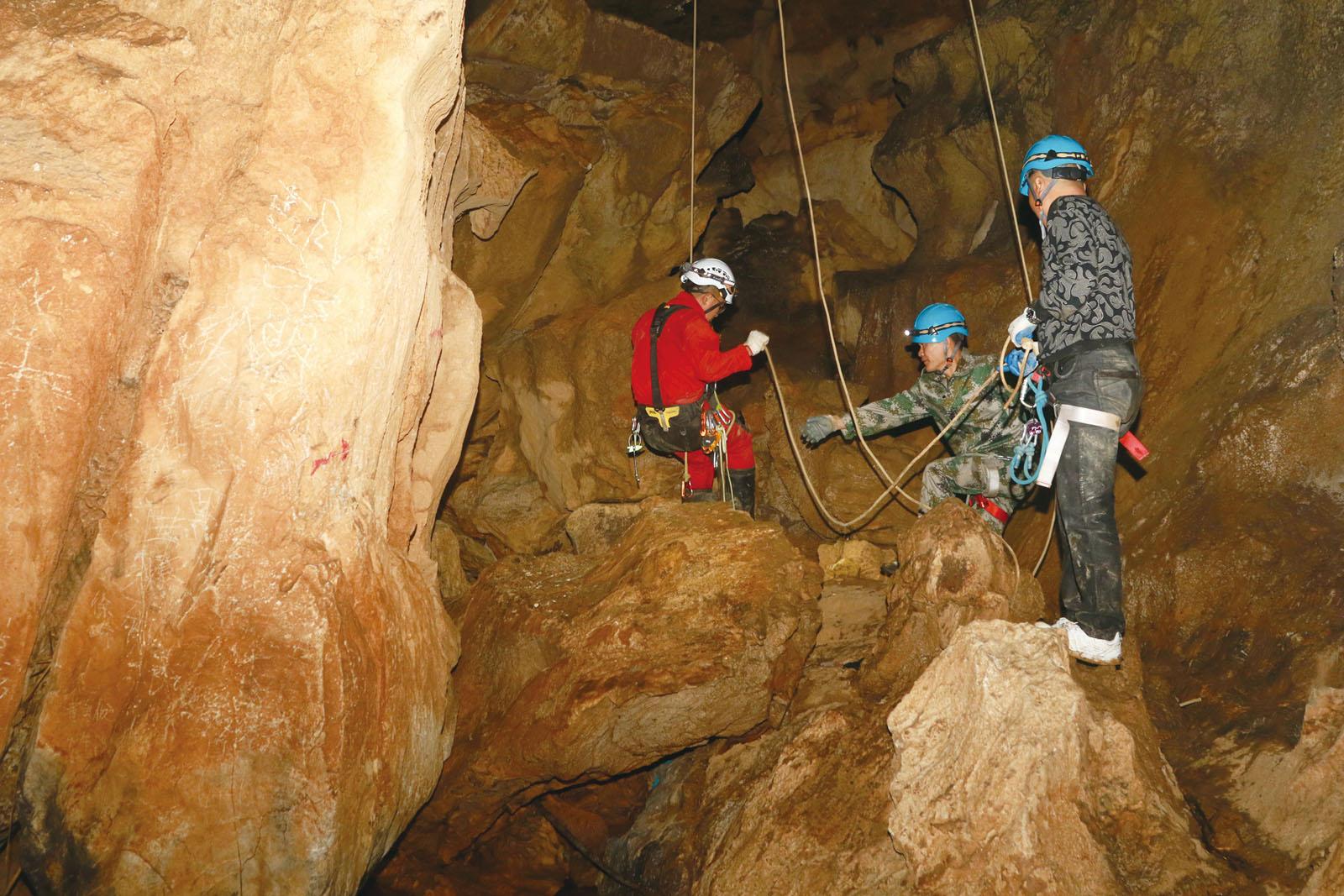 牛脚洞救援演练去看未曾见过的地下世界